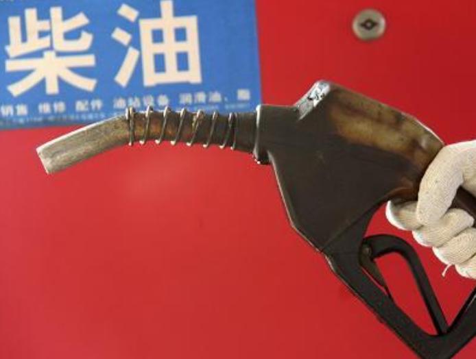 老司机们经常加油,你们知道1升汽油,柴油等于多少公斤吗?