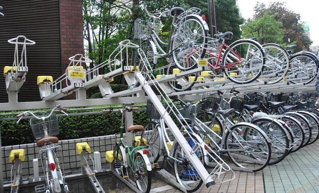 日本逆天停车场7米竟能停放204辆自行车,怎么做到的图片
