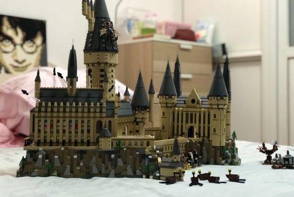 人生第一个乐高城堡!零件数6千块达史上第二多,此生完整了