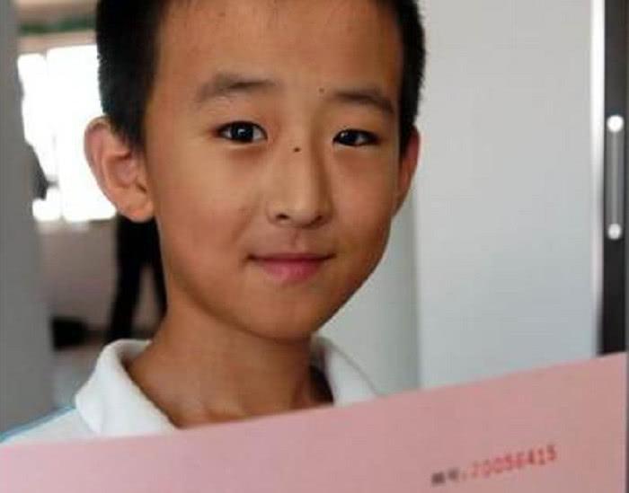 中国天政治,8岁上神童,11岁考入985重点大学,如今过大高中会考山东高中题图片