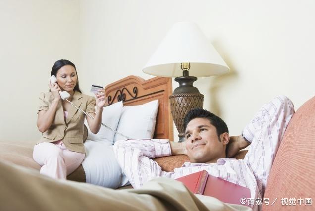 妻子精神出轨,丈夫想挽回婚姻,到底难不难?