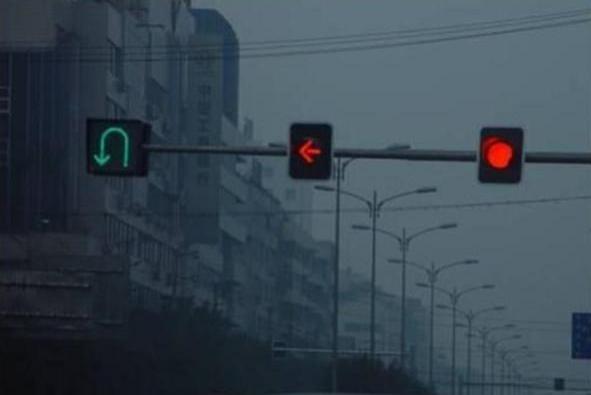 红灯左转掉头,被拍下后扣分么?交警给出了答案