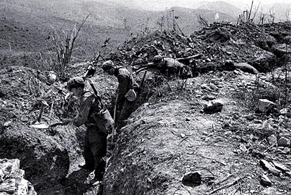 中越战争:连长牺牲指导员接替,强攻不成还可以智取