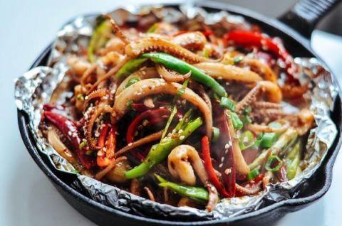 的做法_美食推荐:三鲜毛豆肉片,蒜椒酱炒虾仁,爆炒鱿鱼的做法