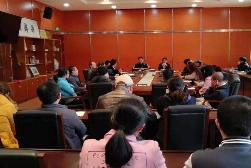 福州八中高二年段家长教育顾问委员会第一次座谈会成功进行