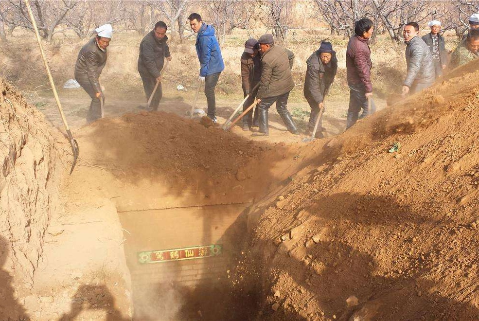 """农村""""夸张式""""的丧葬礼仪将整治,避免铺张浪费,农民都叫好!"""