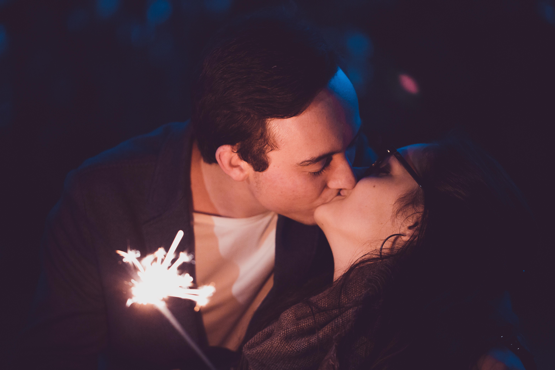 男女分手照片_现在的恋爱,男女超过三天不联系就是默认分手了,一周不联系,那么,他