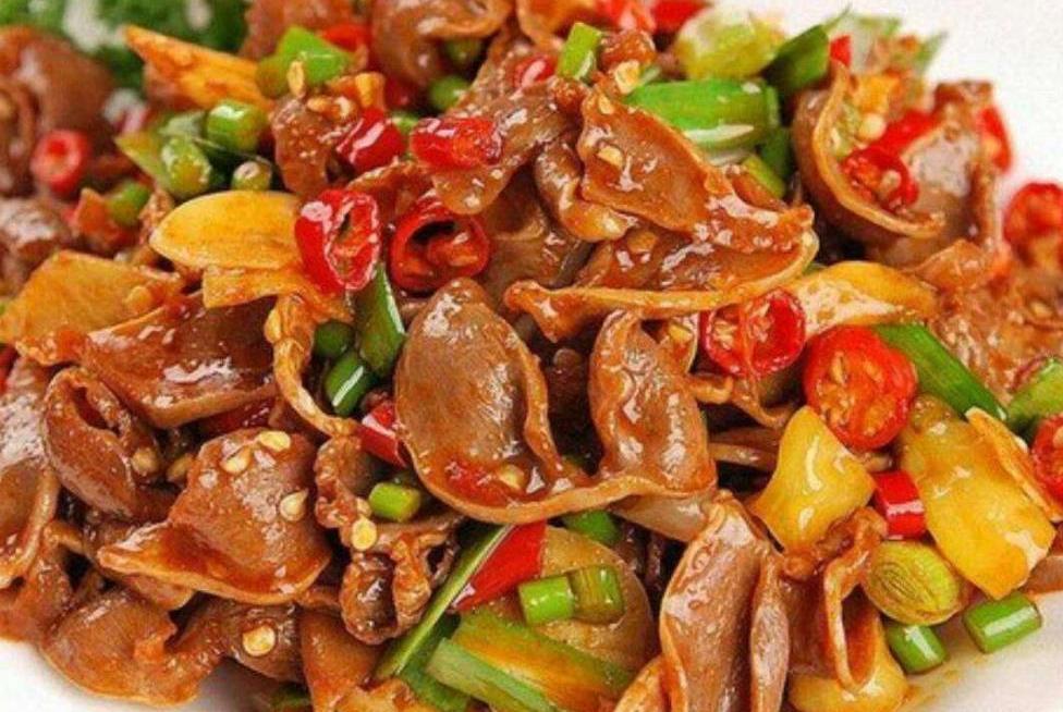 天气热没胃口,这菜来解忧,简单一炒就超下饭,让你立马胃口大开