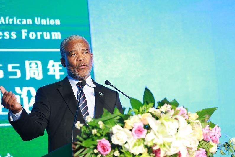 """博茨瓦纳大使:初来中国的一幕,连用三个""""哇""""形容,感到震撼"""
