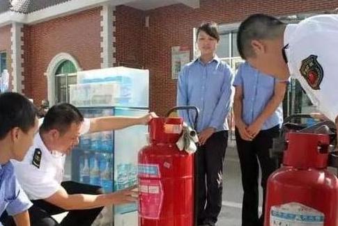 私人油站与中石化究竟有啥差别?内行人说漏嘴,网友:后悔才知道