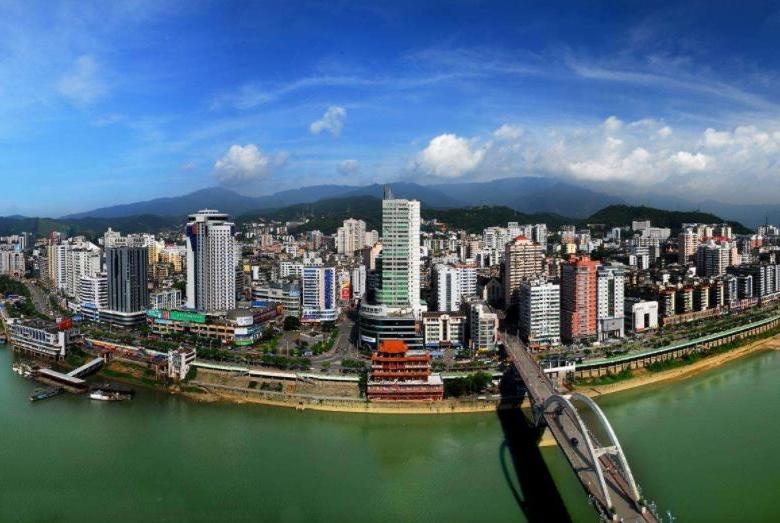 """福建这座城市有""""小重庆""""之称,来到这里你才知道什么叫山城"""