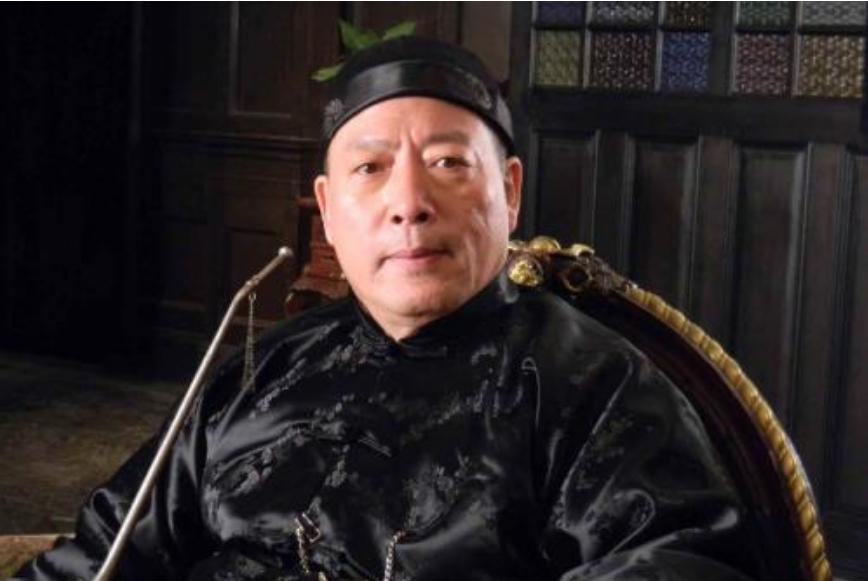 """揭秘:上海""""三大亨""""之一的黄金荣,为何不跟杜月笙逃到香港?"""