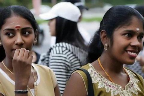 在印度,对戴鼻环的女人要躲得远远的,他们的特殊身份你承担不起