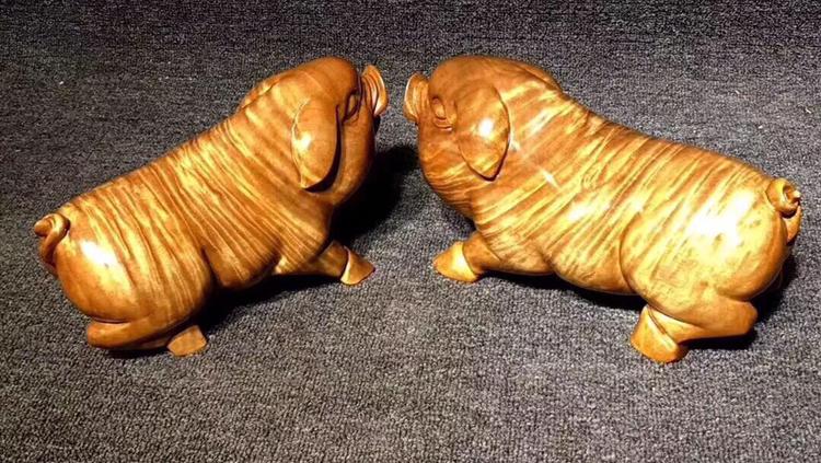 金丝楠的树瘤节疤别丢弃,稍作雕琢便是一件精美绝伦的工艺收藏品