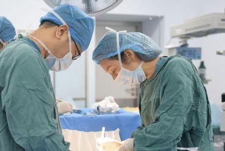 """剖腹产后,可能给女性带来的3个""""损伤"""",第3个生二胎会很明显"""