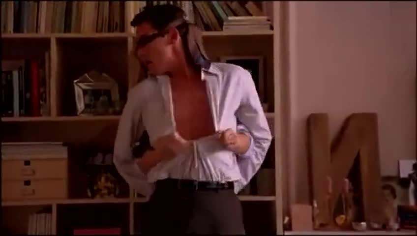 斯嘉丽约翰逊经典性感吻戏,黑寡妇魅力十足!嘞