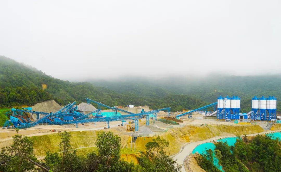 阳江抽水蓄能项目上水库碎石轧筛系统顺利投产