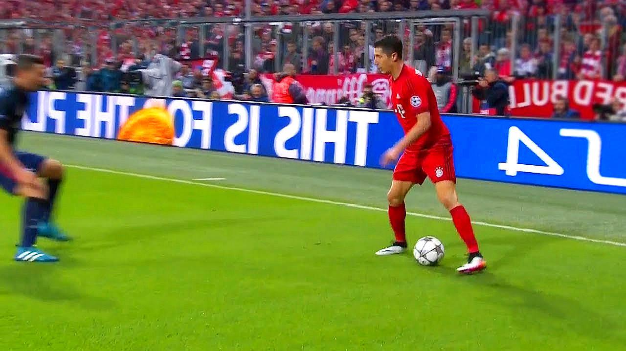 让对手意想不到的创意花式足球,梅西让对方都想放弃比赛了图片