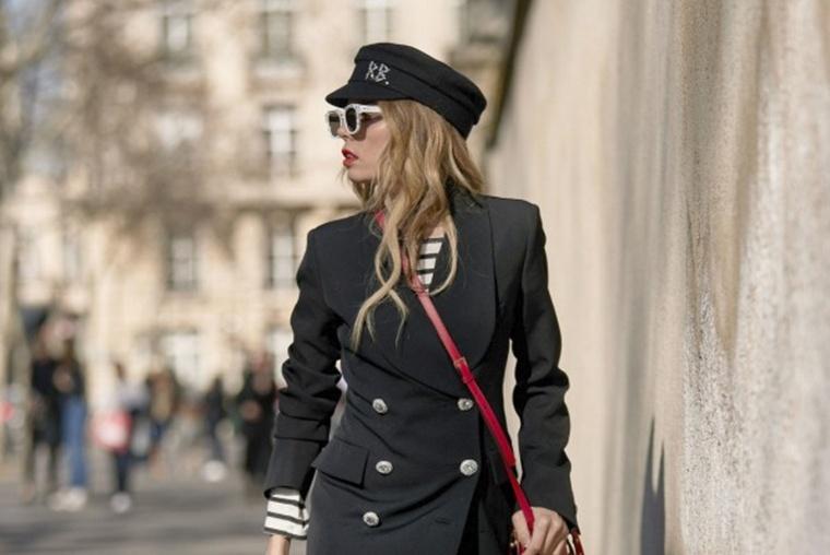 帅气而不失女人味 中性风的西装裙更时髦