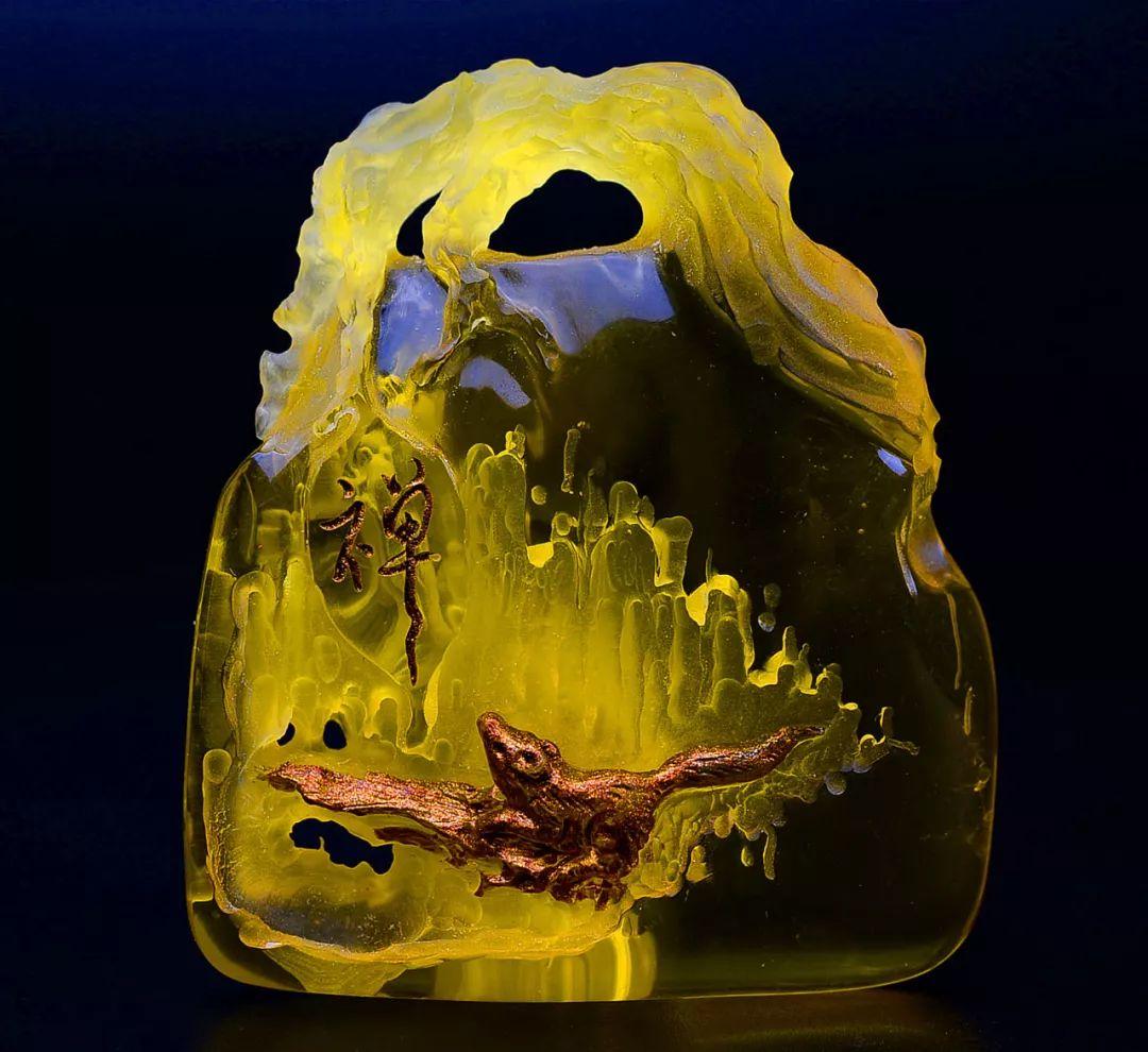 琥珀雕刻大师胡庭峰雕刻作品:《禅》生活处处是禅机!