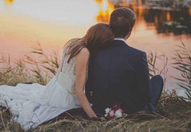 """男人有这4种表现,说明只想""""恋爱"""",不想结婚"""