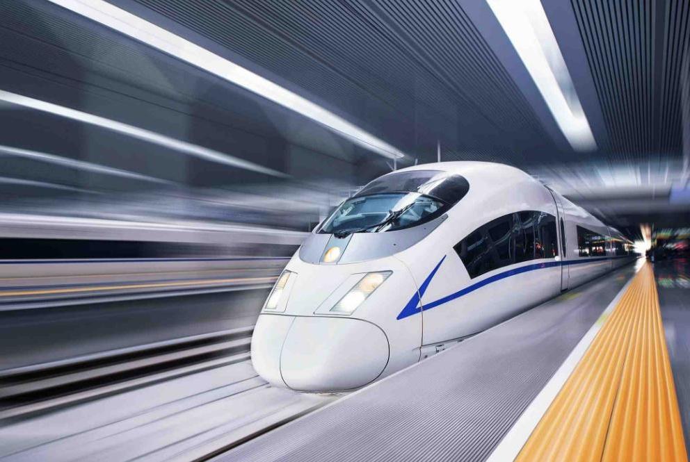 重庆喜迎新高铁,全长1677公里,是连接成渝地区重要客货运通道