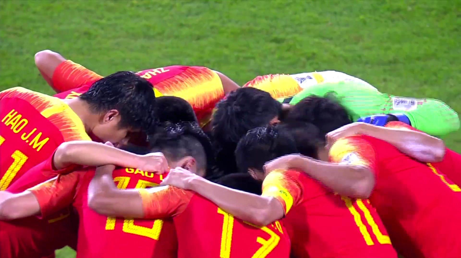 亚洲杯回顾:中国后卫三次低级失误,中国0-3完败伊朗,遗憾出局