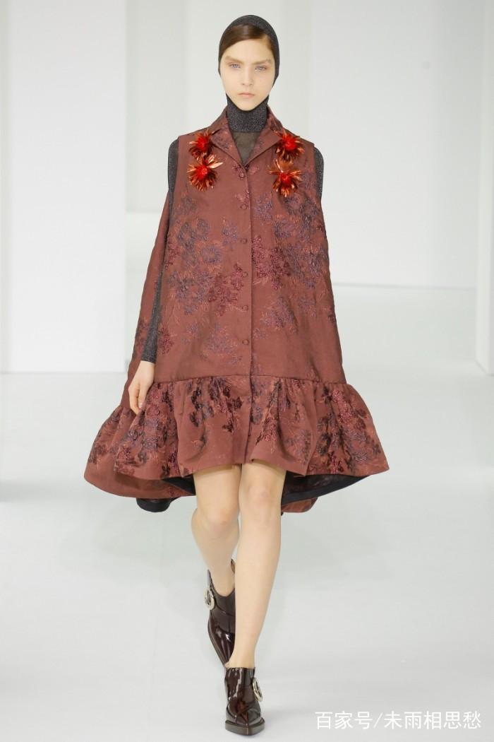 时装周:模特穿搭时尚靓丽,服装设计别出新意,流露对时尚的理解