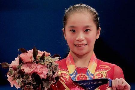 她曾是体操队长,巅峰时因伤病退役,如今颜值变化美到认不出!
