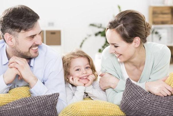 不少父母有类似问题,抱怨原生家庭的同时,还在同样地教育孩子