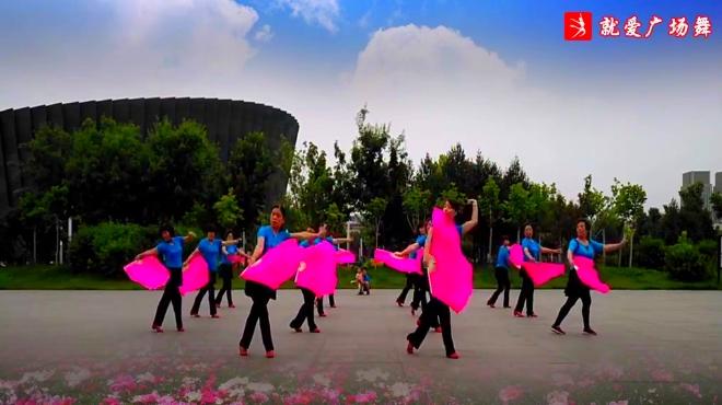 无韵古风大咖 02:51 春天蝴蝶飞【玲】《扇子舞,山里红》 糖豆广场舞
