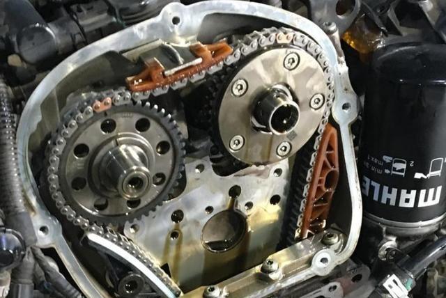 汽车发动机的正时皮带多久换一次?很多司机不在意,看完就明白