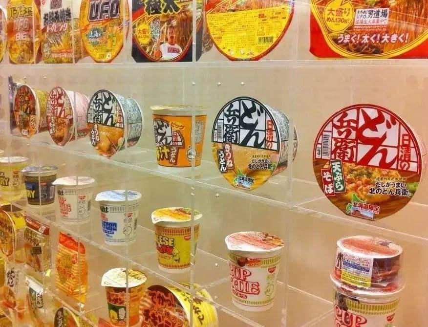 """日本""""天价泡面""""火了起来,27元一桶,顾客吃完都称赞:太值了"""