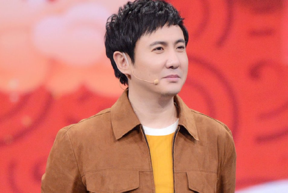 亚太区最帅100张面孔沈腾排名第21位,本人回应表示不满引人大笑