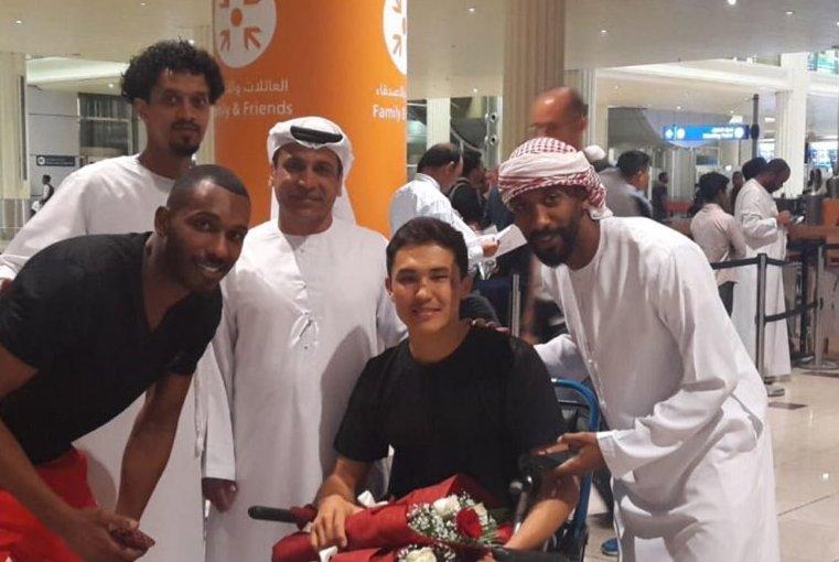 被韦世豪铲伤球员已抵达迪拜 队医公开伤情报告 不幸中的万幸是…