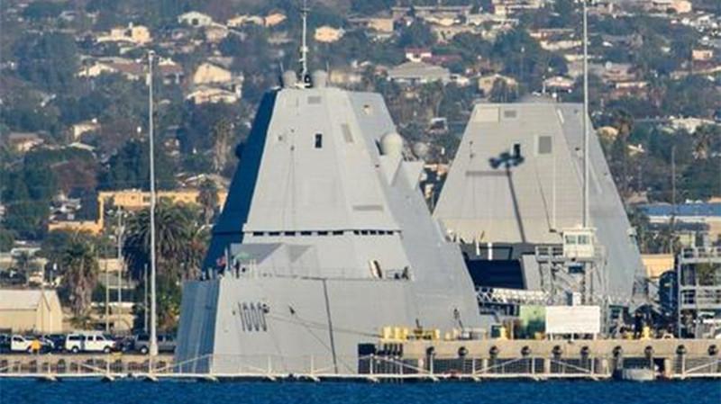 满载1.4万吨比055还大,最强战舰完成部署,造价堪比国产航母