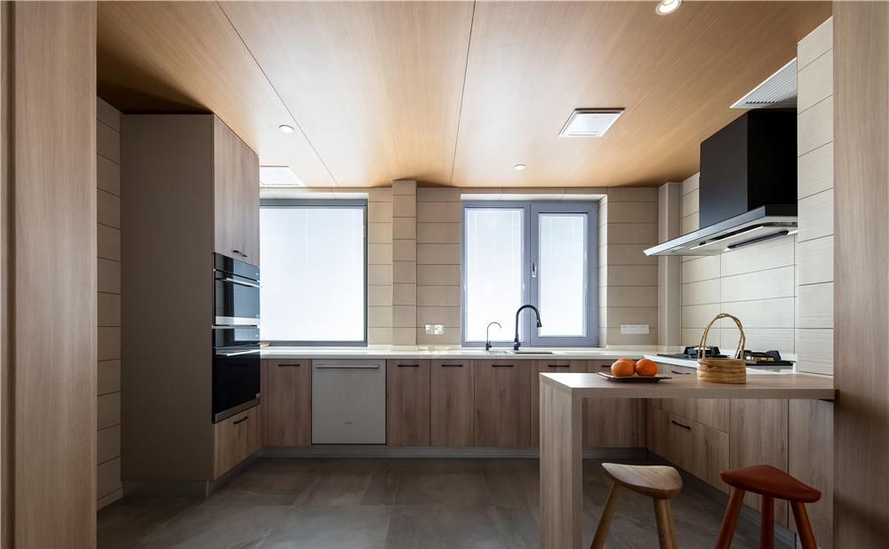 开放式厨房设计,打造一个社交型的厨房,一个人做饭不