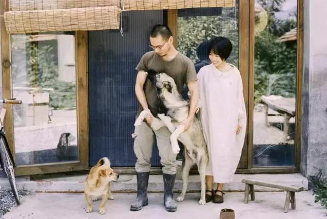 小夫妻花2万租下北京600平院子种菜:离心近一点,生活美一点