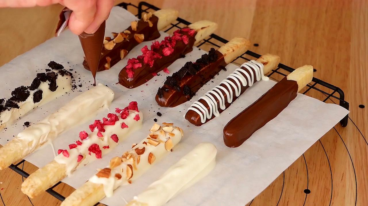 甜食党福利:巧克力饼干棒有谁想要的