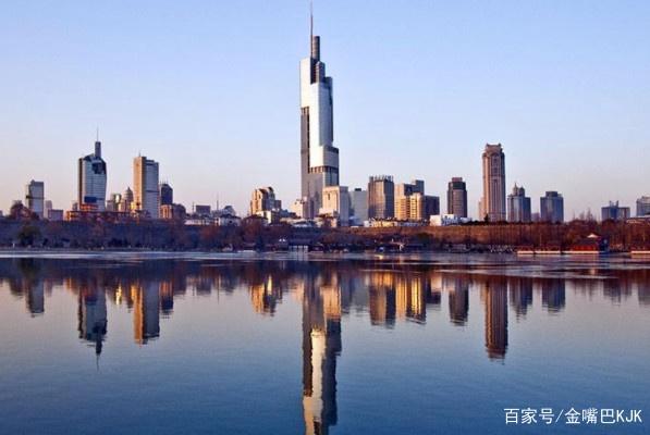 中国最小的两个省会,一个是世界一线,另一个是历史古城!