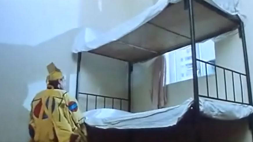 道士入住新宅子,连床都非常讲究,但是也没躲掉那些东西