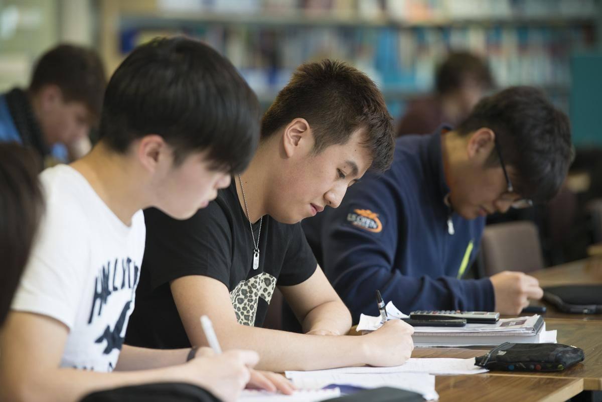 孩子想学习好是否需要买大量的辅导资料呢?建议学生家长都来看看