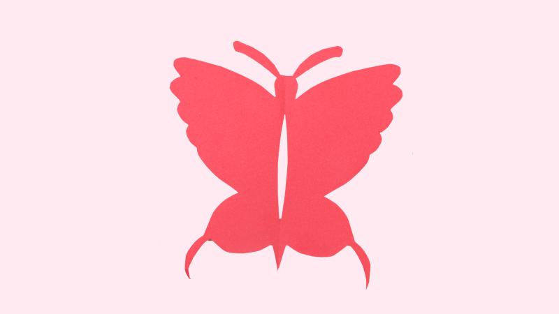 图案步骤 服务升级打开原网页 3漂亮蝴蝶剪纸:彩纸对折后沿斜对角再次