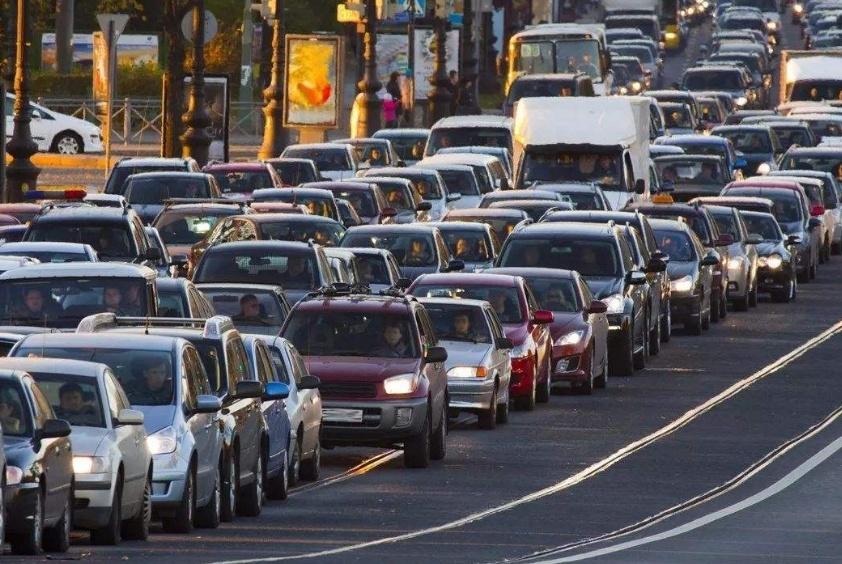 不施工也没事故发生,为啥国内道路还异常拥堵?专家:都怪这类人