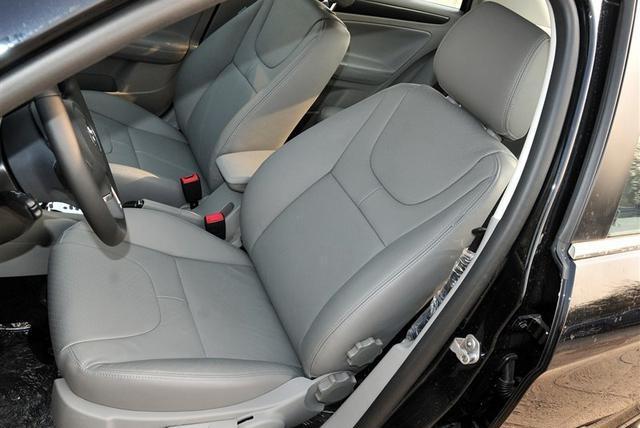 盘点那些奇葩的汽车设计!大众座椅调节、纳智捷备胎、威驰千斤顶