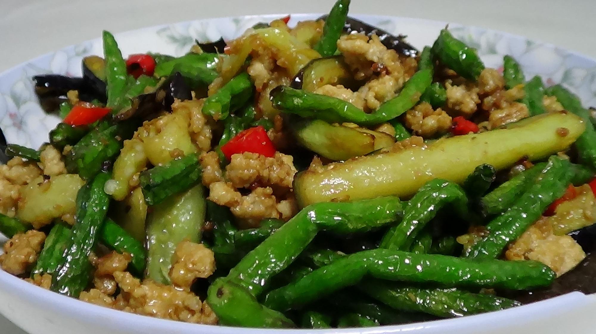 一根小说一把豇豆,简单一炒,好吃的下饭菜就做好了,太给力了!茄子特种兵女高中图片