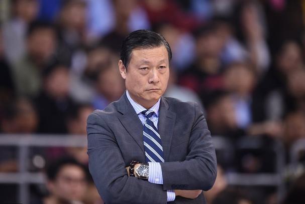 6连败!CBA赛季最大黑马神奇不再,冠军教头难为无米之炊!