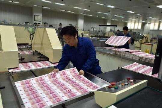 全球每个国家都能印刷钱,为什么不能自己想用多少印多少?