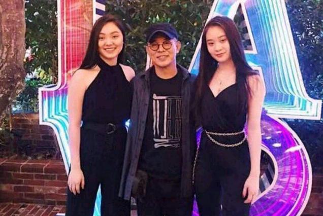 李连杰傲娇谈两女儿:大女儿是哈佛学霸,小女儿就读高中世界第一