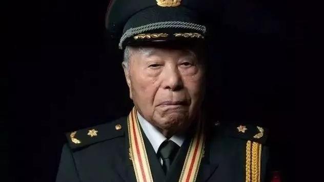 """""""中国核司令""""、两弹一星功勋奖章获得者程开甲逝世"""